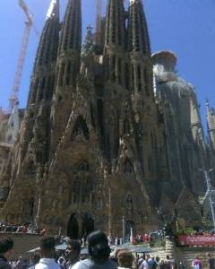 9bb263-20161007-the-sagrada-familia